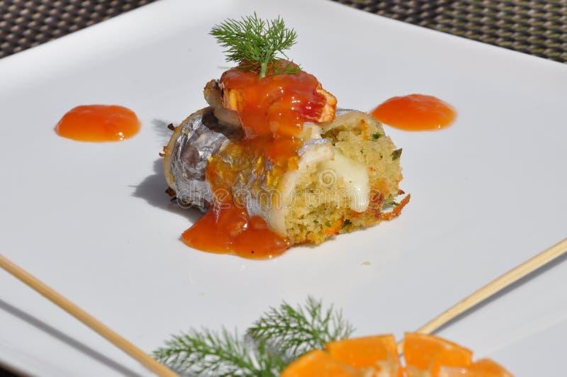 Gourmet- designmat Sarde en beccafico royaltyfria foton