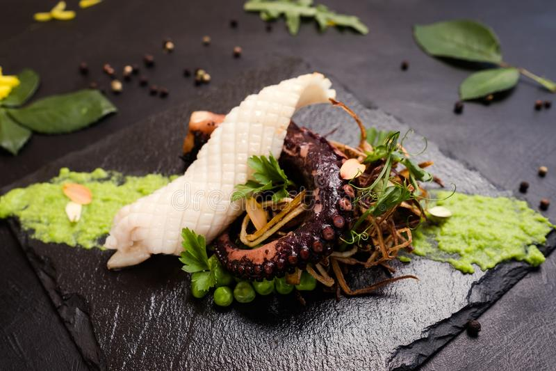 Gourmet- havs- lyxig restaurang royaltyfri bild