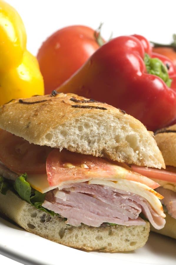 gourmet- skinksmörgås royaltyfri foto
