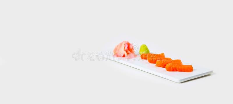 Gourmet- stångmat på en vit bakgrund arkivbild
