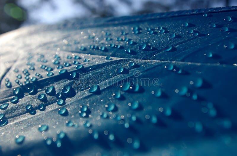 Gouttes de l'eau sur le toit de la tente images libres de droits