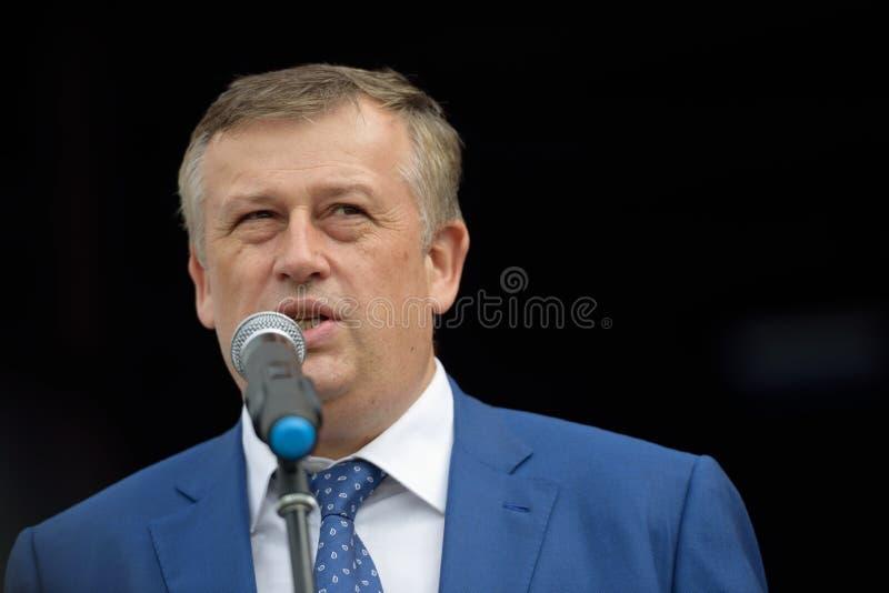https://thumbs.dreamstime.com/b/gouverneur-d-oblast-alexander-drozdenko-de-l%C3%A9ningrad-56281425.jpg