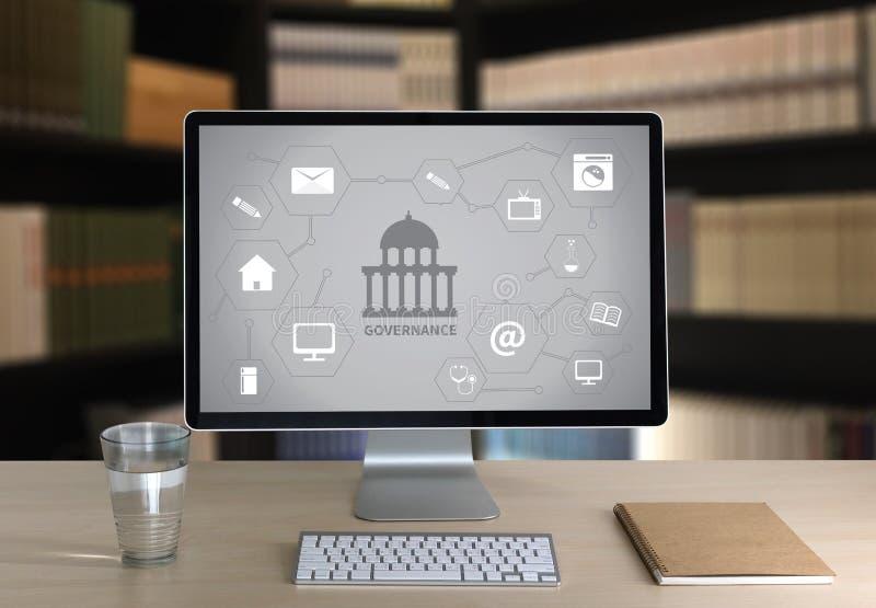GOVERNANÇA e construção, sagacidade de computação do portátil do computador da autoridade imagem de stock