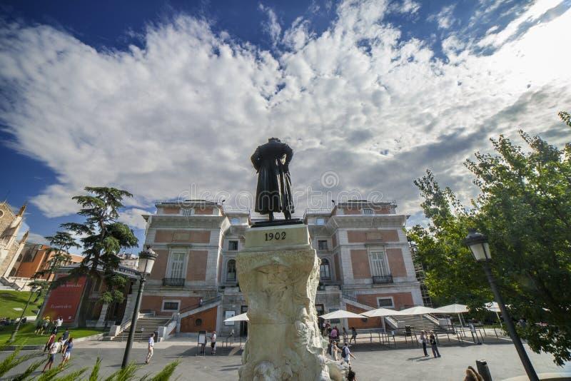 Goya Gate en la fachada del norte del Museo Nacional del Prado fotografía de archivo