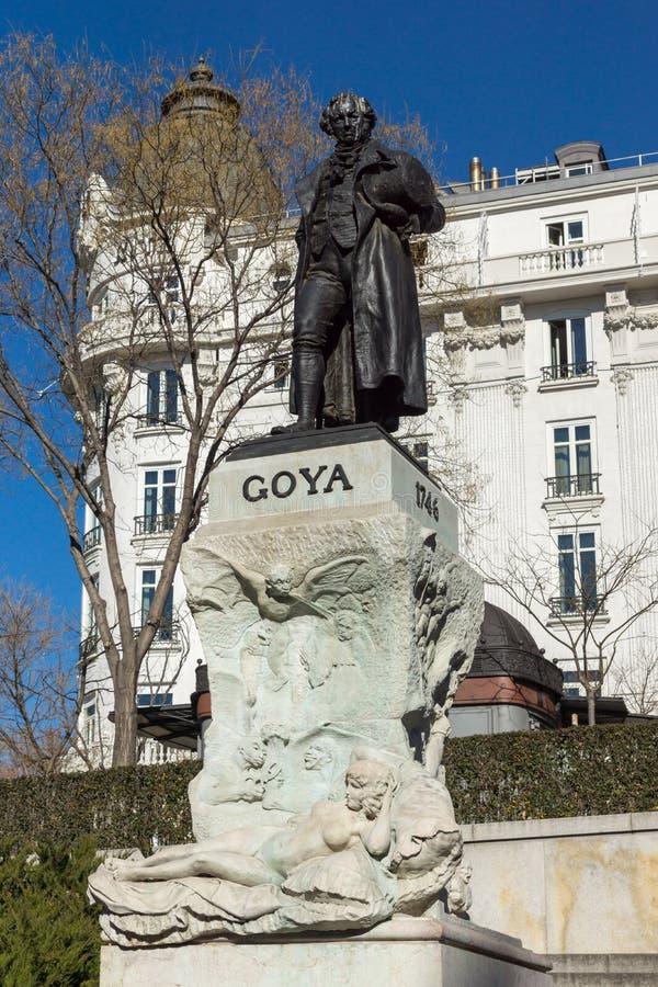 Goya Statue delante del museo del Prado en la ciudad de Madrid, España fotos de archivo libres de regalías