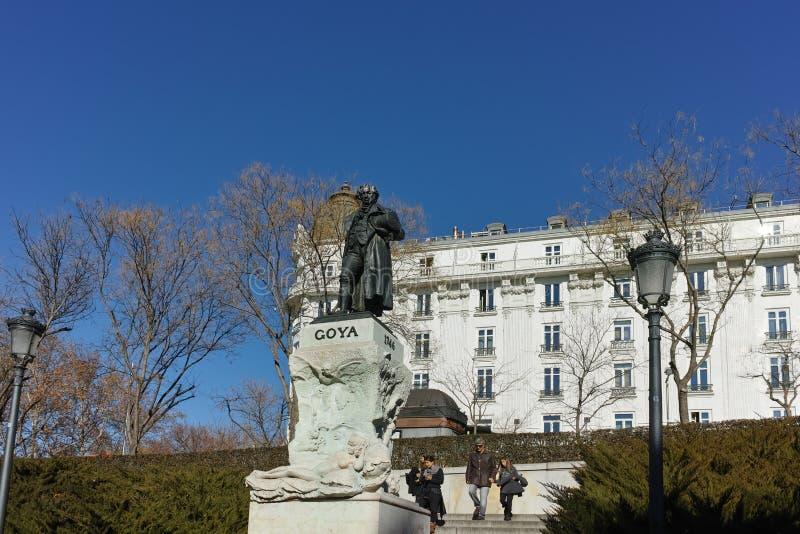 Goya Statue delante del museo del Prado en la ciudad de Madrid foto de archivo libre de regalías