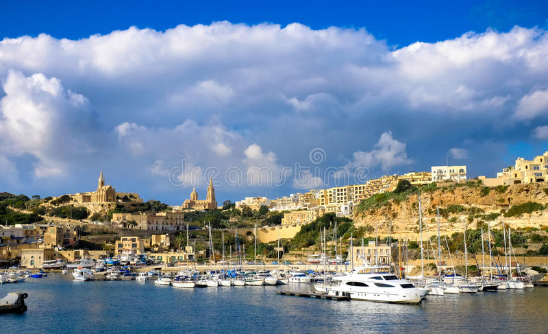 gozo马耳他 第二个海岛在大小上在马耳他 港口视图wi 免版税库存照片