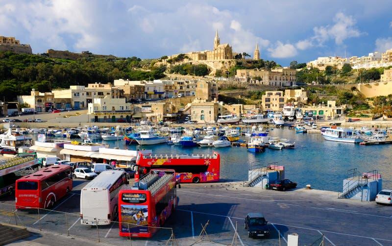 Gozo, Malta La seconda isola nella dimensione a Malta Wi di vista del porto immagini stock