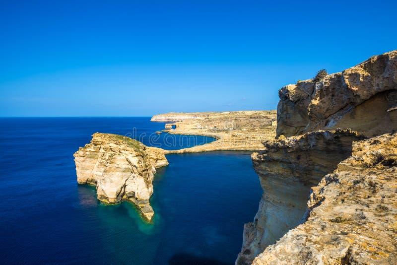 Gozo, Malta - schöner pilzartiger Felsen Tha auf der Insel von Gozo lizenzfreies stockbild