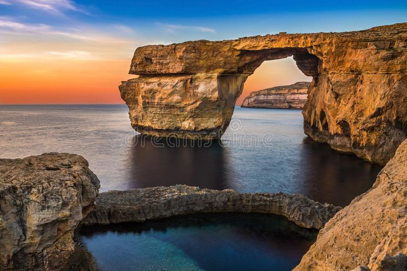 Gozo, Malte - belle Azure Window, une voûte naturelle images stock