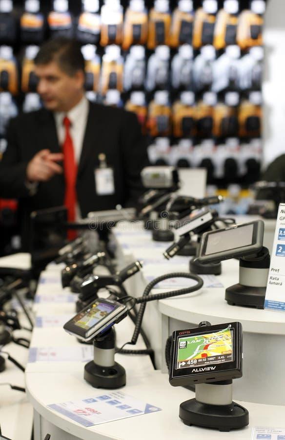 GPS de afdeling van de navigatieverkoop in een supermarkt stock foto