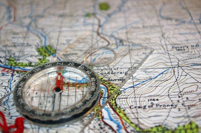 GPS op oude kaart royalty-vrije stock afbeeldingen