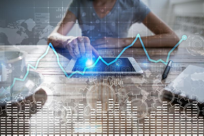 Gráfico da análise de dados na tela virtual Finança do negócio e conceito da tecnologia imagem de stock