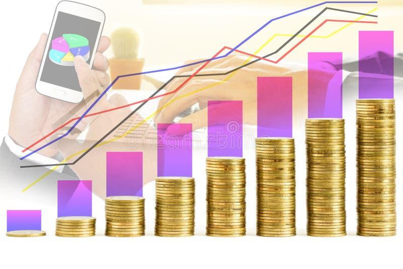 Gráfico e fileiras das moedas fotografia de stock