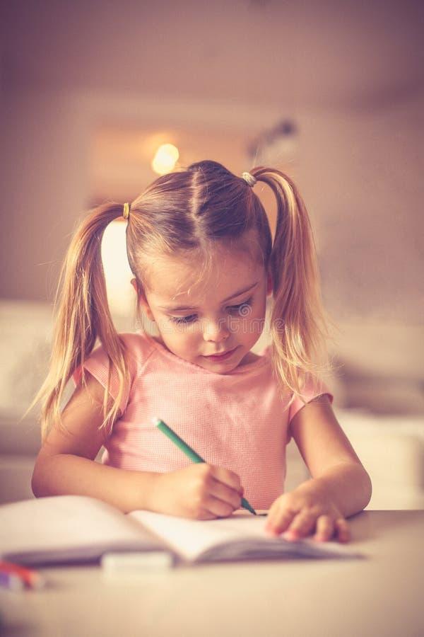 Gráfico lindo de la niña foto de archivo