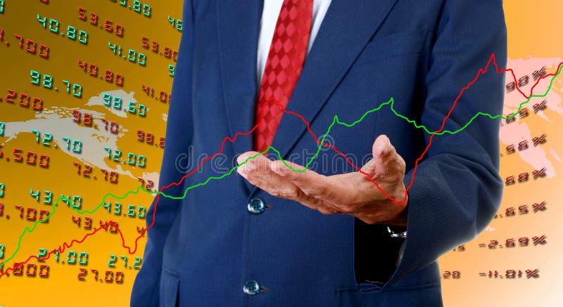 Gráfico superior dos dados de bolsa de valores do analista do homem de negócios fotografia de stock royalty free