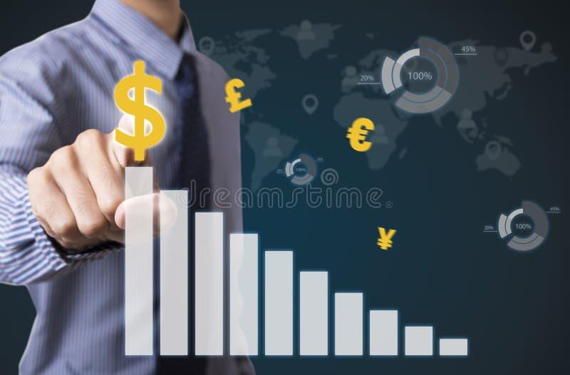 Gráfico tocante da análise financeira do homem de negócios com sinais de dólar fotografia de stock royalty free