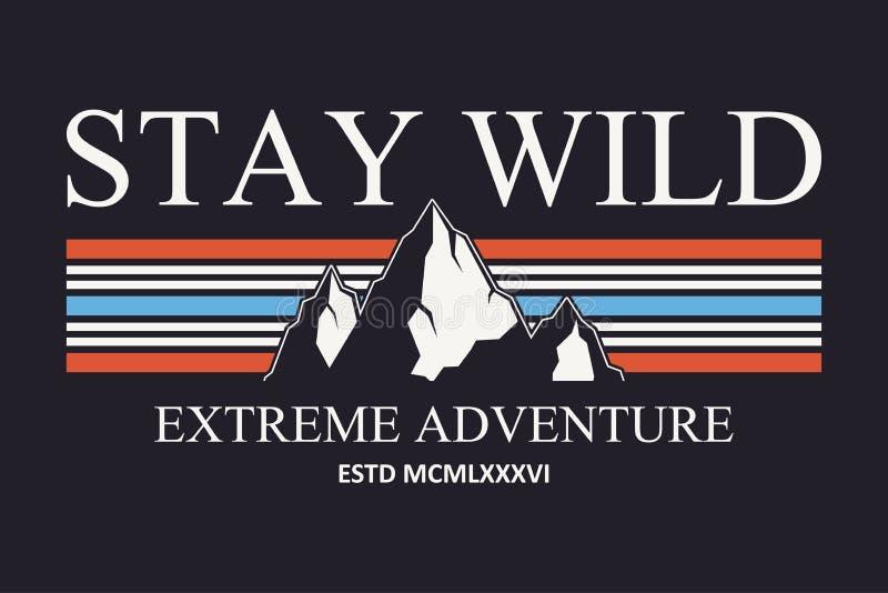 Gráficos da tipografia do slogan da montanha para o t-shirt Cópia exterior da aventura para o fato, projeto do t-shirt Vetor ilustração royalty free