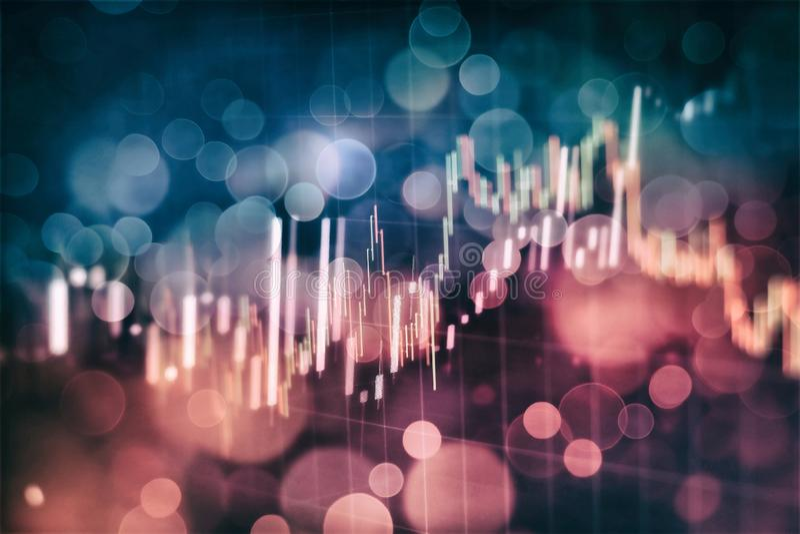 Gráficos que brillan intensamente de las divisas de diversos colores que muestran la situación del mercado financiero en fondo di libre illustration
