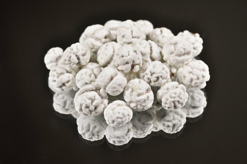 Grãos-de-bico cobertos de açúcar imagens de stock