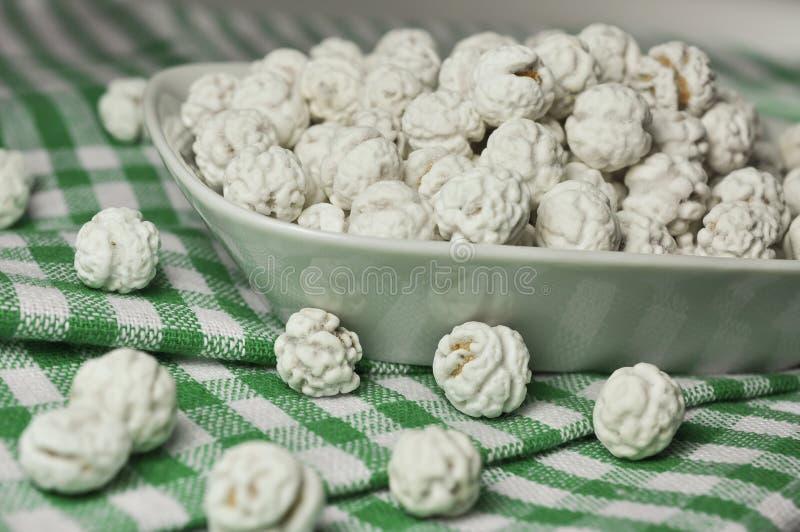 Grãos-de-bico cobertos de açúcar imagens de stock royalty free