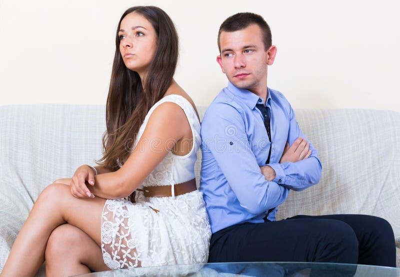 Gräla mellan maken och frun royaltyfria foton