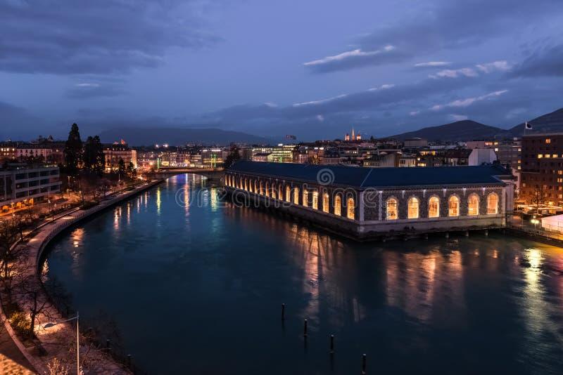 Gränsmärke med sikt på Genève och Rhone River arkivfoton