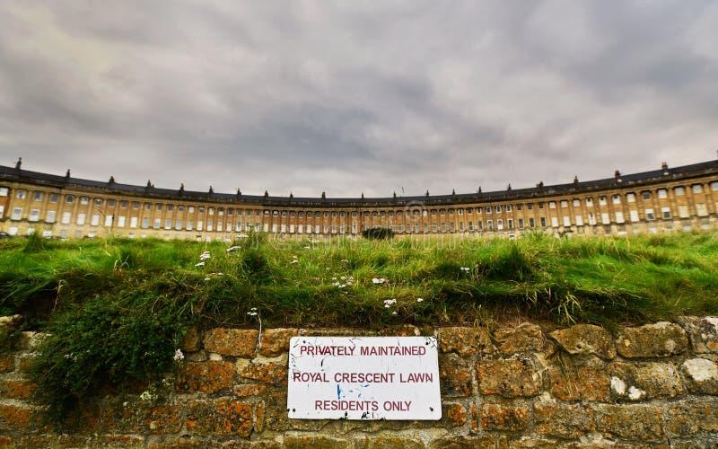 Gräsmatta för invånare endast royaltyfri fotografi