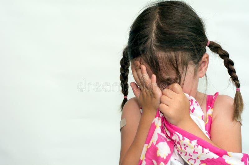 gråta flickan little arkivbild