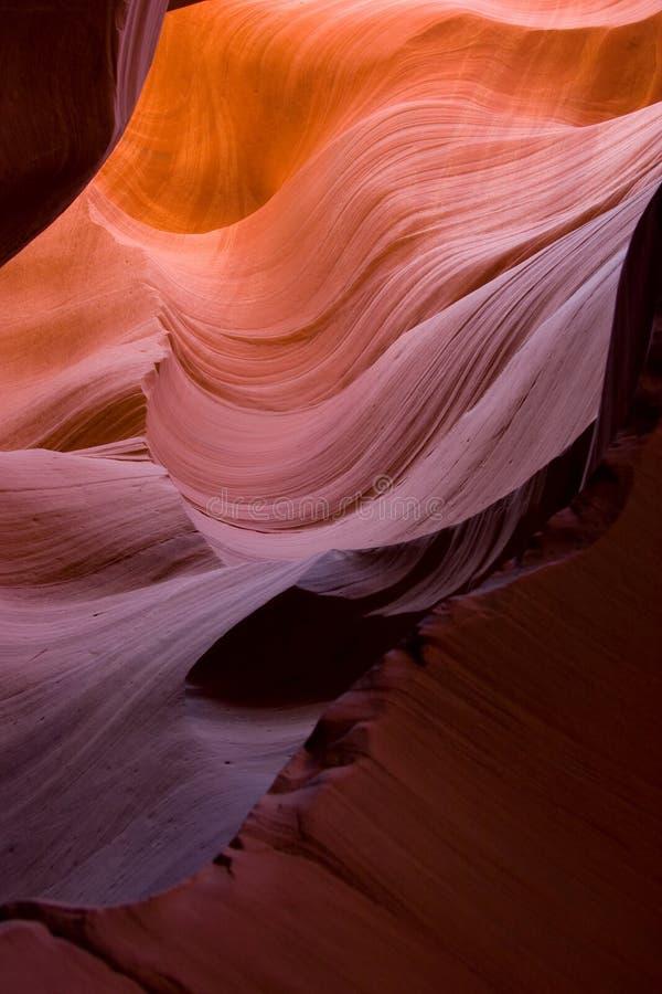 Grès coulant comme des ressacs, canyon inférieur d'antilope photo libre de droits