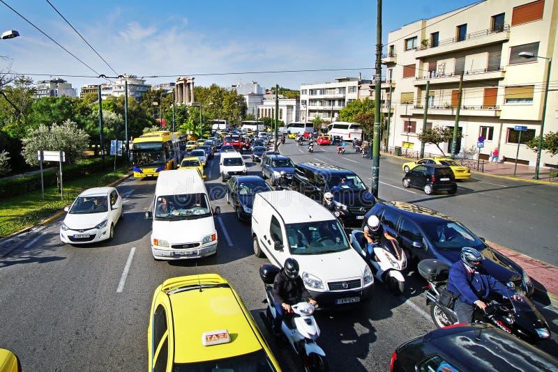 GRÉCIA, ATENAS - 5 DE OUTUBRO engarrafamento do 5 DE OUTUBRO nas ruas imagens de stock