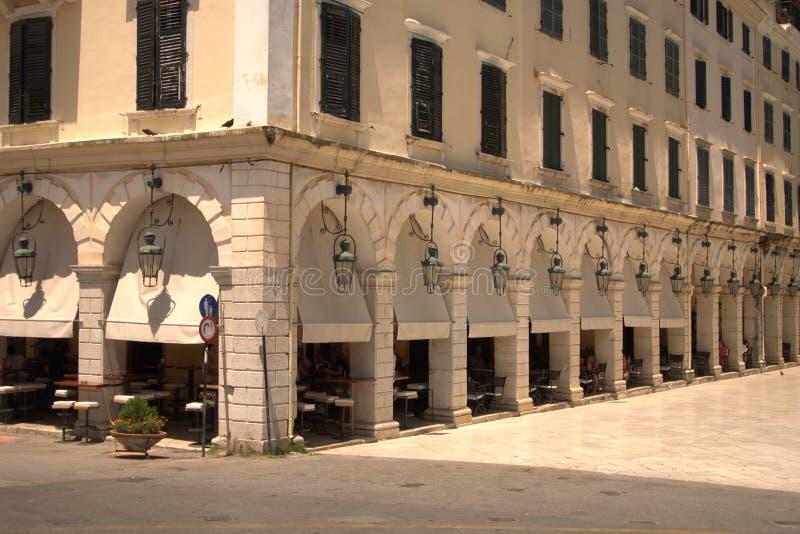 Grécia, Corfu, a arcada de Liston imagem de stock