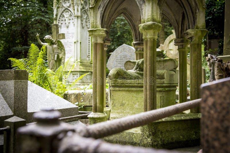 Grób kamienie w cmentarzu - 7 fotografia royalty free