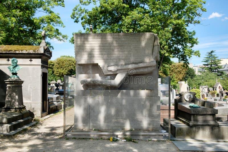 Grób Oscar Wilde przy Pere Lachaise cmentarzem w Paryż zdjęcia royalty free