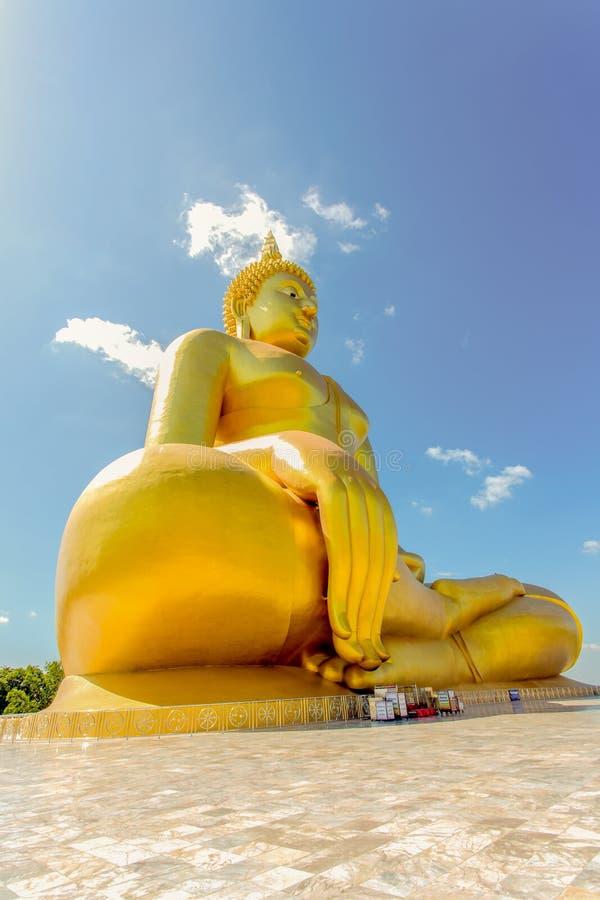 gr te gro e der buddha statue der welt an wat muang stockbild bild von farbe k nstlerisch. Black Bedroom Furniture Sets. Home Design Ideas