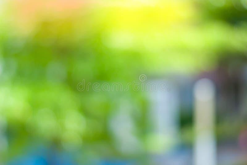 Grön bakgrund, suddig natur - begreppet, älskar världen arkivfoto