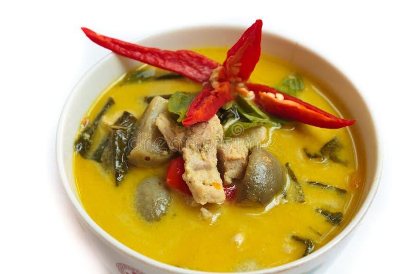 Grön curry med griskött, thailändsk mat. arkivfoton