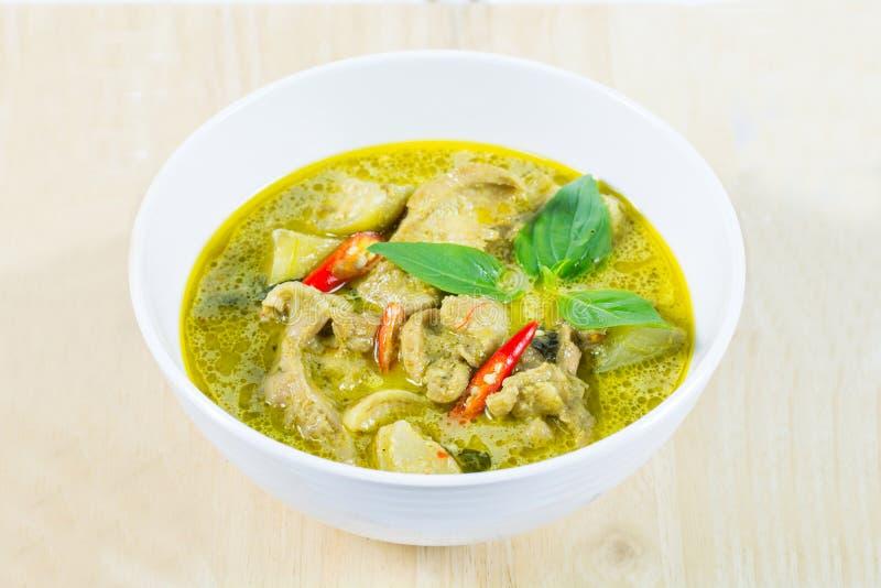 Grön curryhöna, thailändsk traditionell och populär mat, grön cu arkivfoto