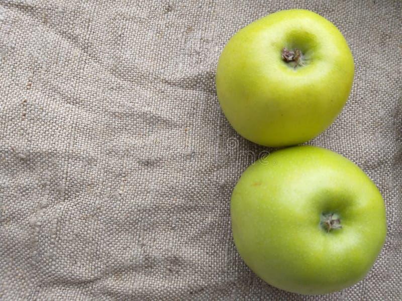 Grön höst för äpple två, bakgrund arkivbild
