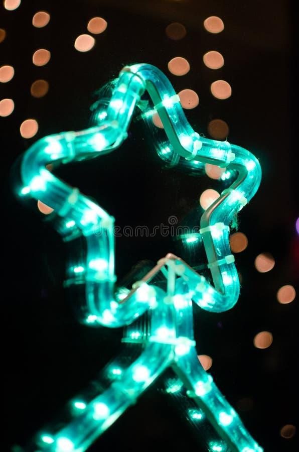 Grön julgrangarnering royaltyfria foton