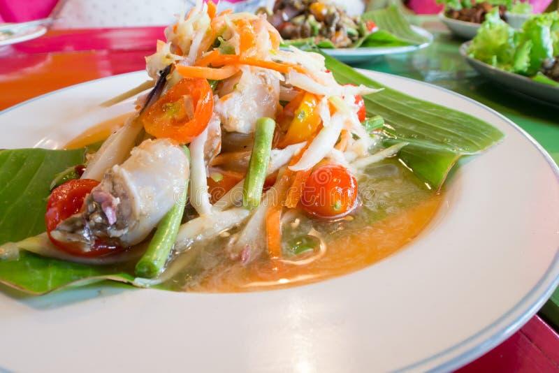 Grön papayasallad med krabban, thai mat för somtum arkivbilder