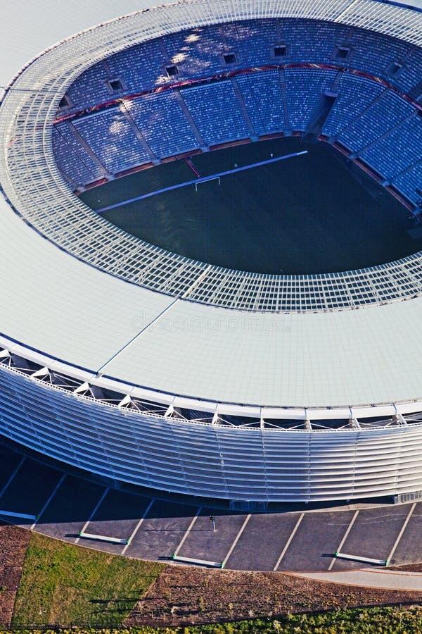grön punktstadion Sikten över stad och tabellberg från seaa sid _ royaltyfri bild
