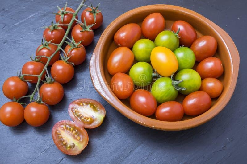 grön röd tomatyellow royaltyfri foto