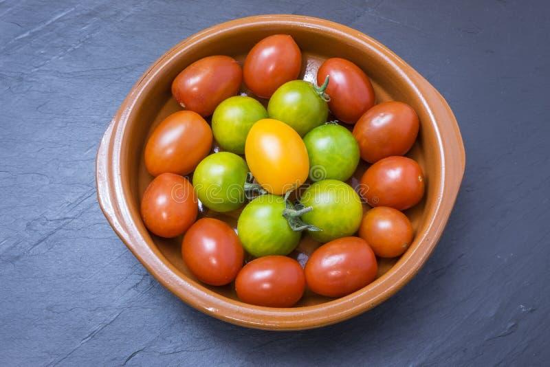 grön röd tomatyellow royaltyfri fotografi