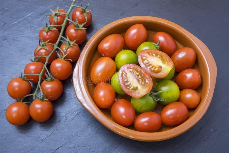 grön röd tomatyellow royaltyfri bild