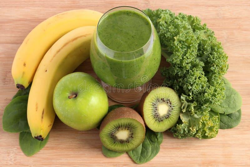 grön smoothie royaltyfri bild