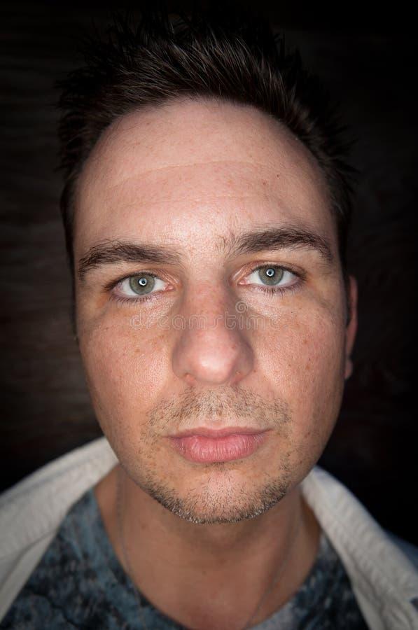 grön stilig man för ögon royaltyfri foto