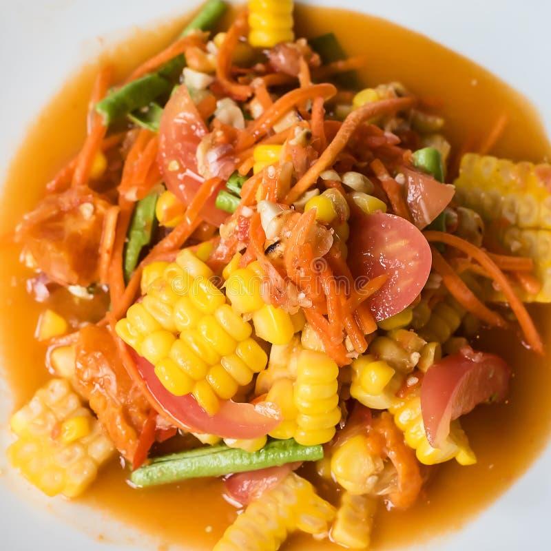 grön thai papayasallad för mat fotografering för bildbyråer