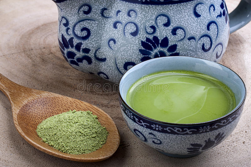 grön varm tea arkivbilder