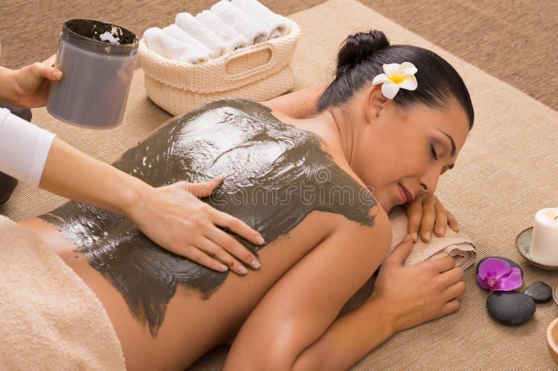 Gröna Clay Treatment At Spa royaltyfri bild